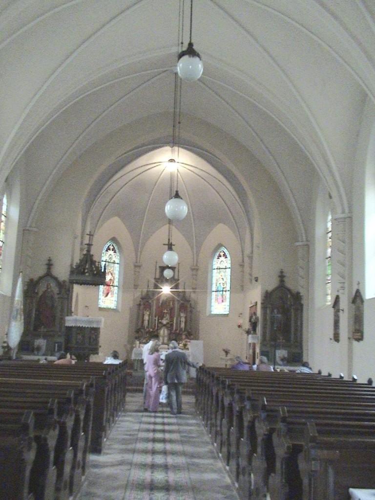 ANINA - Interiorul bisericii romano-catolice 1